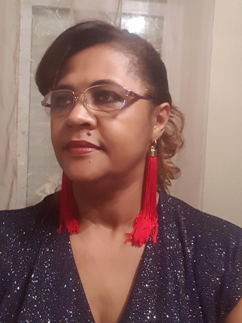 Femme de ménage / Governante de maison